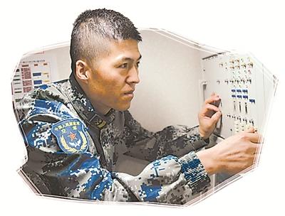 """雷达操纵员张发:战机的移动""""千里眼"""""""