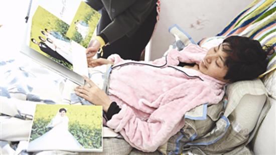 """女子癌症复发办人生""""告别宴"""":乐观面对,与儿子拍亲子照"""
