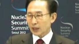 李明博受讯否认主要指控 就引发国民困扰致歉