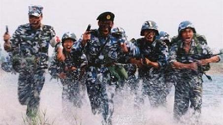 """专家解读海军陆战队""""万人千车""""最大跨区训练"""
