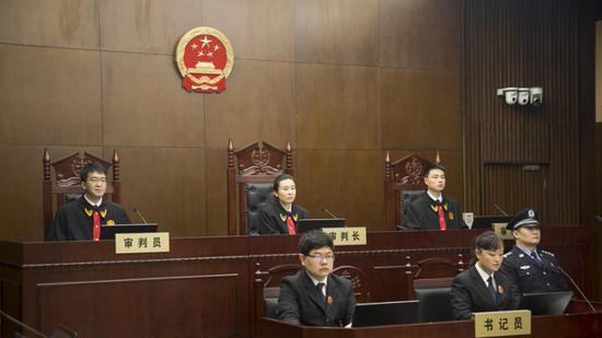 吴小晖被指控集资诈骗罪 实际骗取652.48亿元