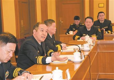 解放军和武警部队代表委员热议加强国防科技创新