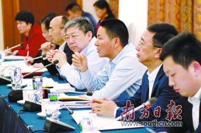 广东代表团分组审议政府工作报告:粤金融运行平稳 系统性风险可控
