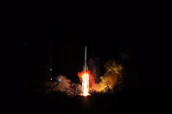 我国成功发射第三十颗、第三十一颗北斗导航卫星