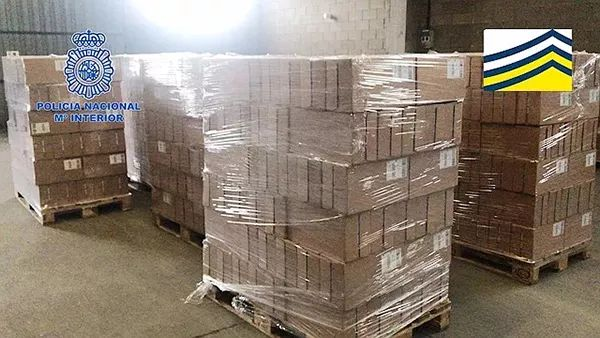家长注意!西班牙警方查获8吨假奶粉,大多运往中国