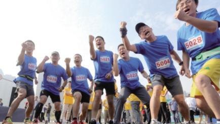 昨天,全国至少开跑42场马拉松!