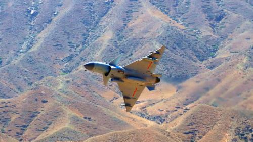中国空军新型战机歼-10C今起开始担负战斗值班任务