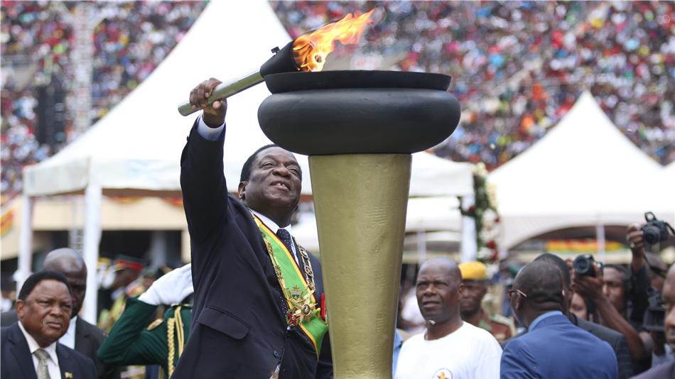 津巴布韦庆祝第38个独立日 总统再次表示将举行公平可信大选