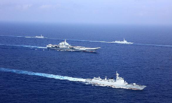 海军航母编队在西太平洋海域开展远海作战运用演练