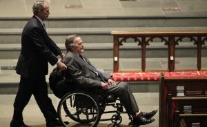 美国前总统老布什住院,其妻子一周前刚去世