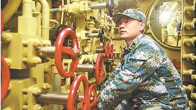 """潜艇兵姜国华的21年""""潜航"""""""