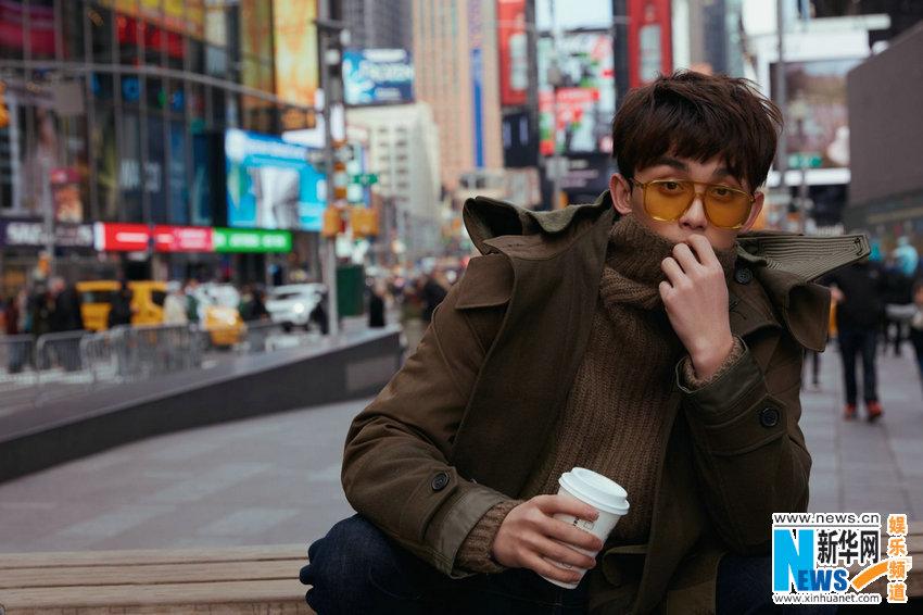 """吴磊纽约""""游客照"""" 慵懒的闲逛时光"""
