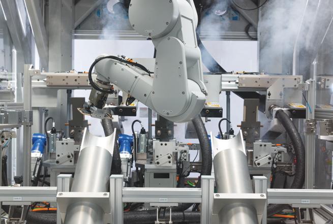 苹果公布iPhone回收机器人 每小时拆200部iPhone
