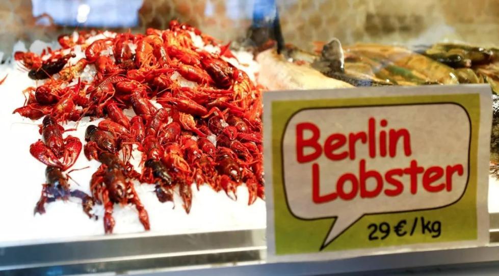 """德国发出小龙虾""""开吃令""""!中国吃货:吃法不对,换我来!"""