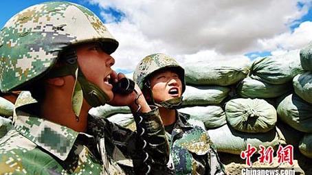"""""""网红""""西藏女炮兵:18岁参军 一口气能做60个俯卧撑"""