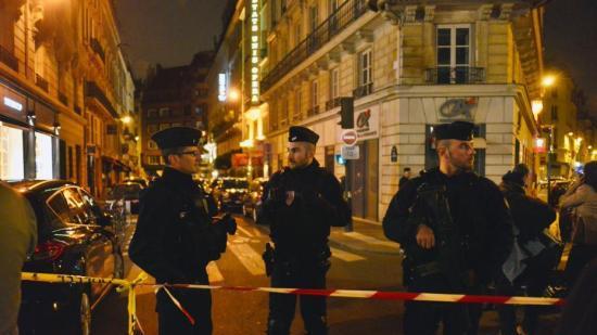 法国巴黎又发生恐袭事件致1死4伤 IS宣称负责