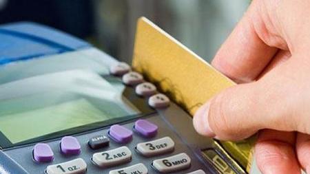 银行卡被盗刷怎么办?先冻结 再去ATM机打印凭条