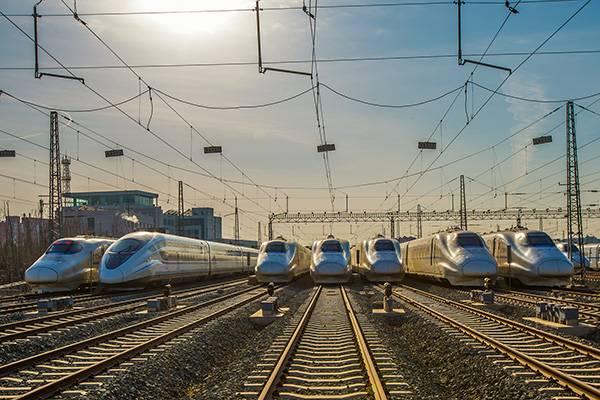5年新高!铁总去年利润18亿 收入首破万亿负债5万亿