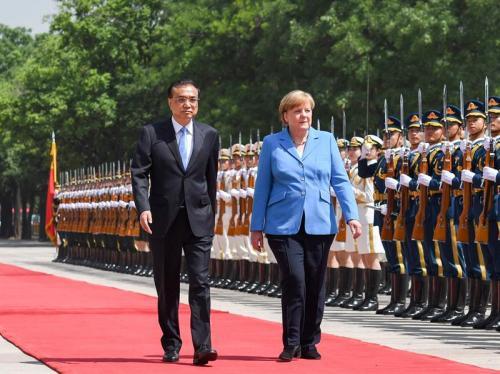 李克强同德国总理默克尔举行会谈:拓展面向未来互利合作