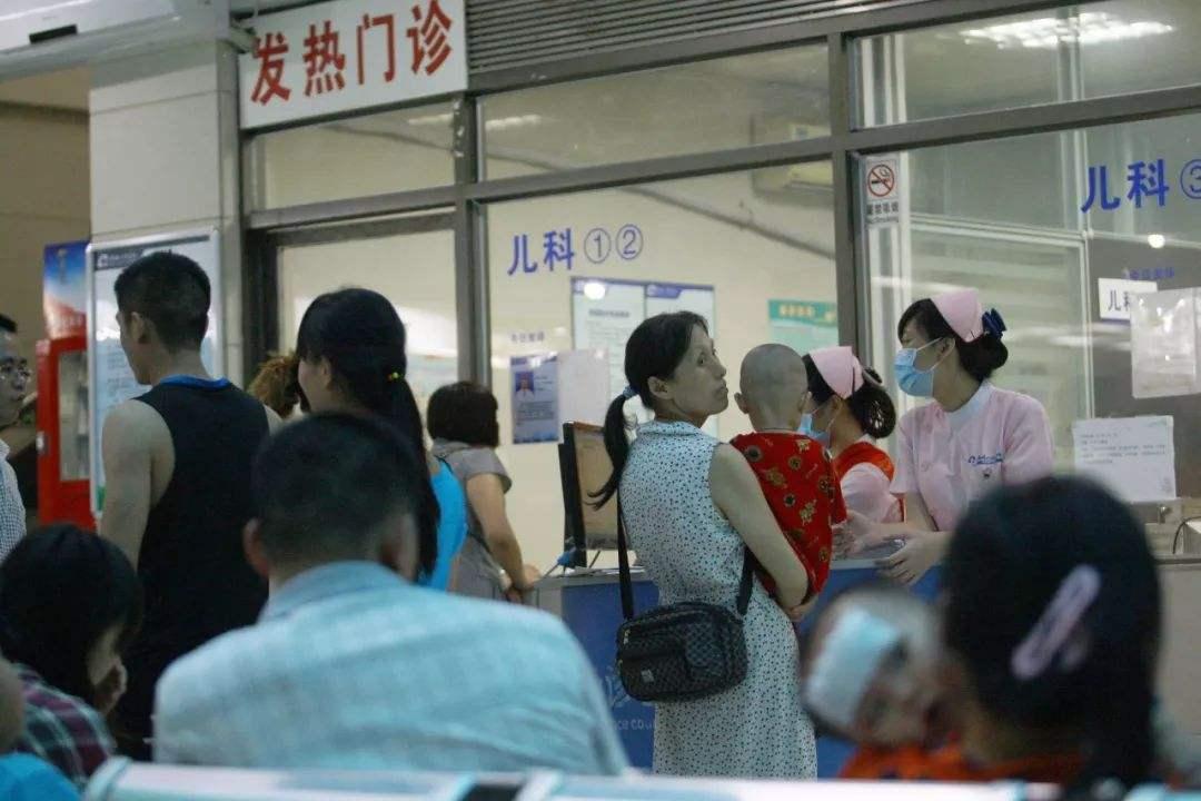 为留住儿科医生广州儿童看病最高加价30% !儿科医生有多紧缺