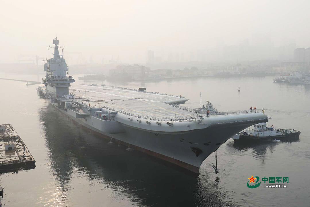 中国国产航母舰长公开亮相 曾临危受命参与多国联演