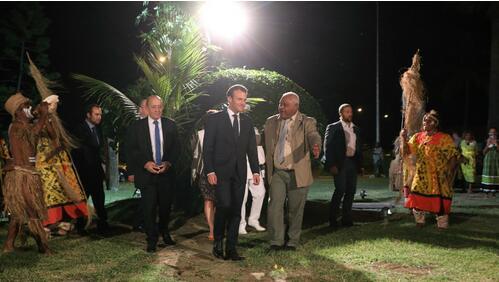 法国总统马克龙访问新喀里多尼亚 未对独立公投表态