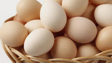 """用6个鸡蛋骗老人12万拆迁款 2人引诱买""""返利产品""""被捕"""