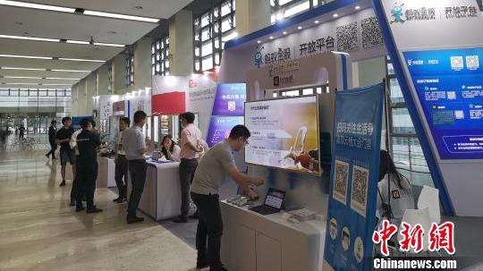 2017年度中国零售百强名单出炉 天猫、京东与大商夺前三