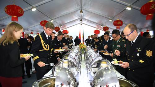 海军第二十九批护航编队在德国举行甲板招待会