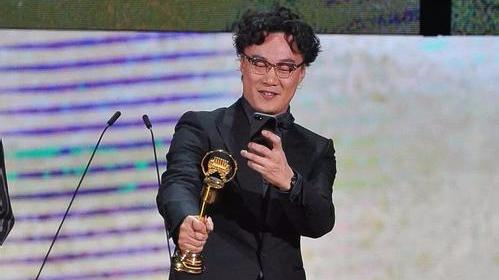 """金曲奖落幕,陈奕迅三度获封""""最佳男歌手"""""""