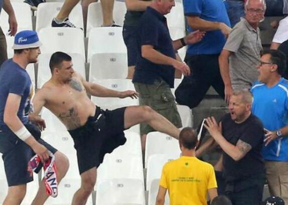 """避免英俄""""再开战"""" 英国禁止上千球迷赴俄看世界杯"""