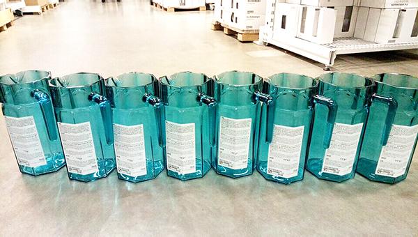 辽宁市民遭遇宜家玻璃壶爆裂,商场:已提示水温不能超50度
