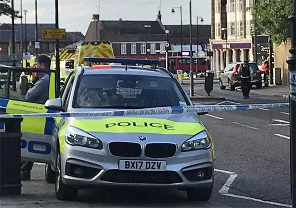 英国伦敦一地铁站突发爆炸至少5人受伤:或因电池短路引发