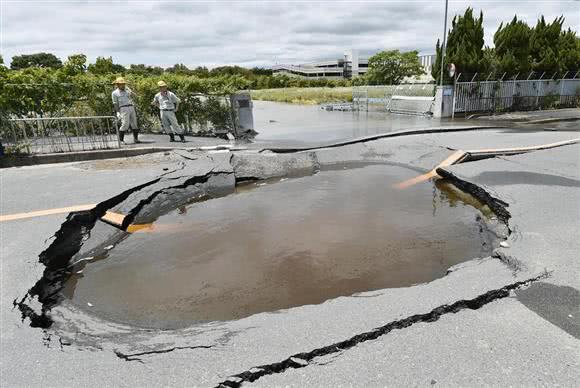 日本大阪发生地震,这次自卫队反应很迅速
