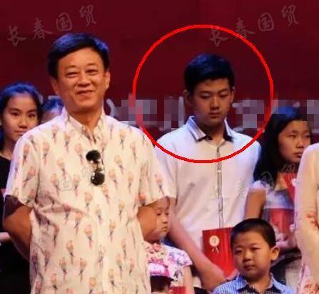 朱军16岁儿子近照曝光 成绩优异有表演天赋