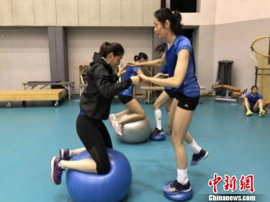 中国女排积极备战2018世界女排联赛总决赛