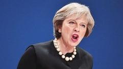 """""""辞职潮""""令英国政坛陷入混乱 特雷莎·梅面临信任危机"""