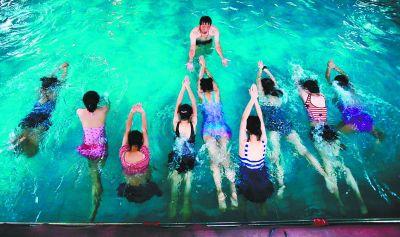 """广东省教育厅提出一个""""小目标"""" 全省大中学生要人人会游泳"""