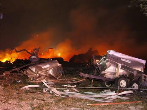 美国一陆军补给站发生爆炸致3人受伤
