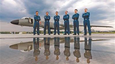 """""""国际军事比赛-2018""""中国空军参赛队全部抵俄"""