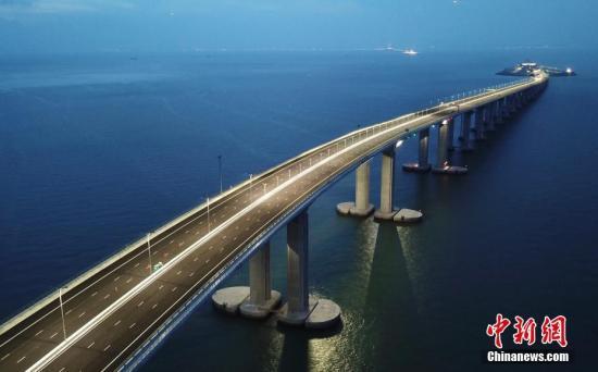 """港珠澳大桥开通在即 将形成""""黄金三小时旅游圈"""""""