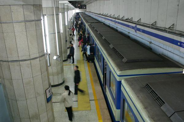 严控地方债务风险,地铁项目申报门槛提高到三倍