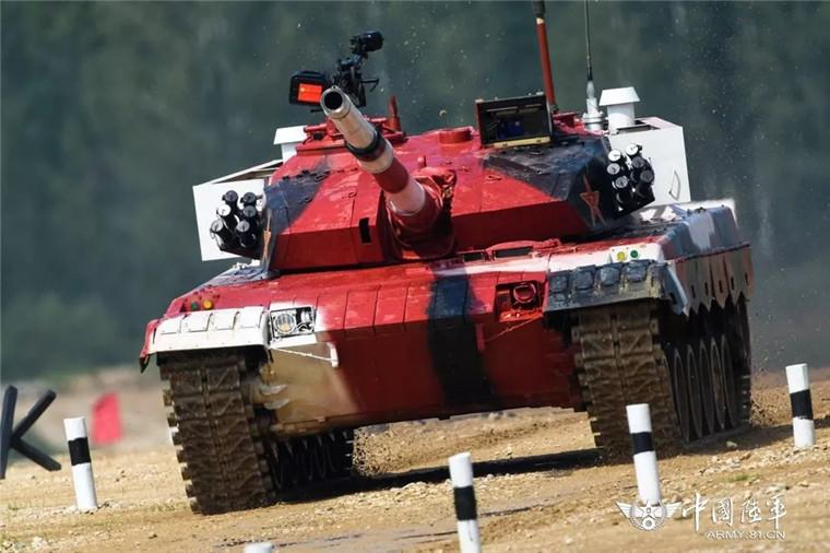 """直击国际军事比赛,中国战车取得""""开门红""""!"""