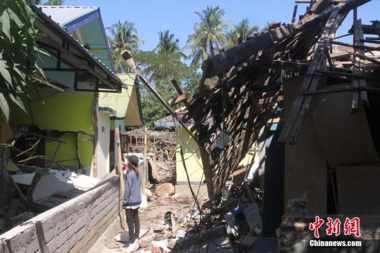 印尼龙目岛强震致347人死亡 灾区急需救援物资