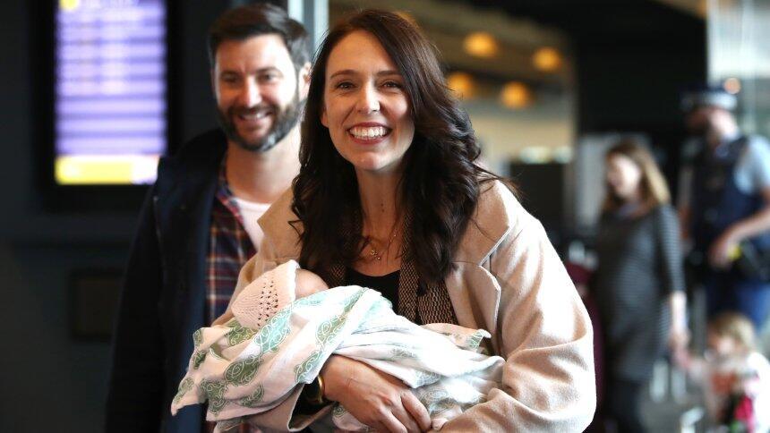 新西兰总理产后6周复出 希望女儿学习土著语言毛利语