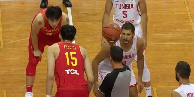 双塔发威!中国男篮红队斯坦科维奇杯77:72击败突尼斯