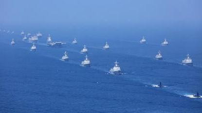 """外媒称中国军力建设提速 造舰""""下饺子""""令人印象深刻"""