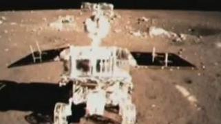"""""""玉兔""""号月球车升级版来咯!它名字该有怎样的姿势"""