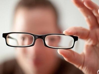 我国近视患者已达6亿 青少年近视率居世界第一