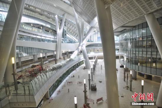 高铁香港段西九龙总站已接近完成 商户准备进场